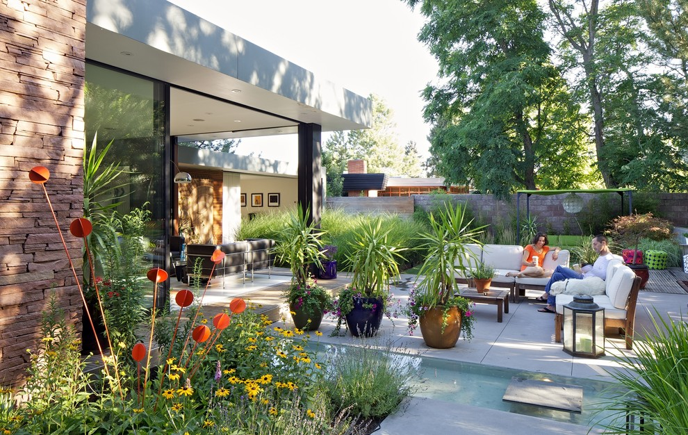 How To Give Your Outdoor Living E A Mid Century Modern Feel