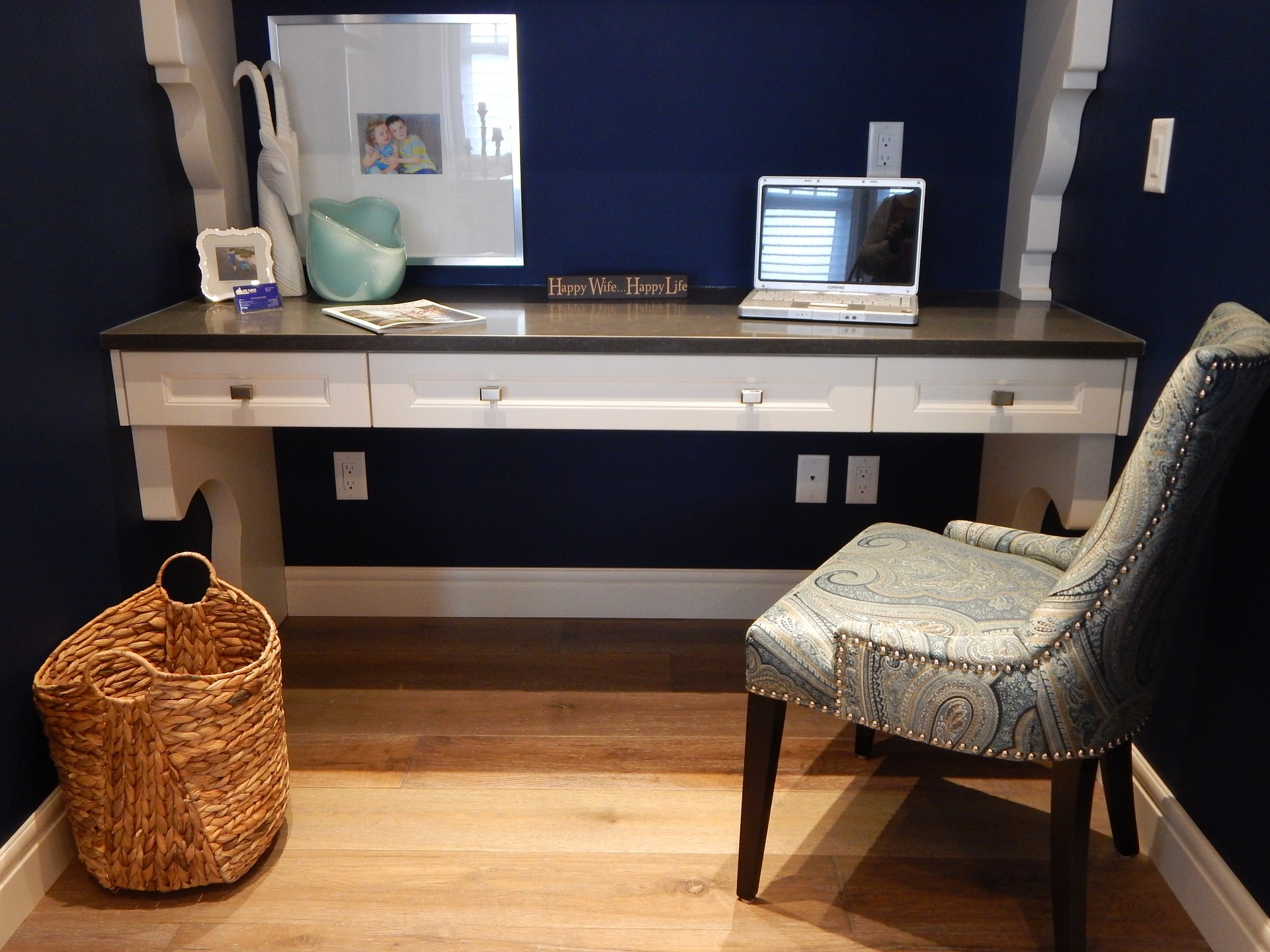 Blue home office Small Feng Shui Your Home Office Using Earth Tones In Interior Design Bauhaus Your House Feng Shui Your Home Office Httpsupermodernbauhaus2yourhousecom